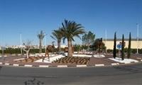 Nova rotonda a la zona de la Ronda Sud-oest. Enjardinament i instal·lació de font i figures ornamentals 4