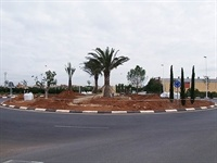 Nova rotonda a la zona de la Ronda Sud-oest. Enjardinament i instal·lació de font i figures ornamentals 5