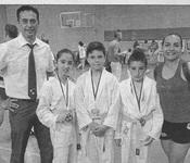 """""""El club de karate se alzó con cinco trofeos"""""""