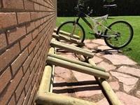Piscines lúdiques. Aparcament per a bicicletes