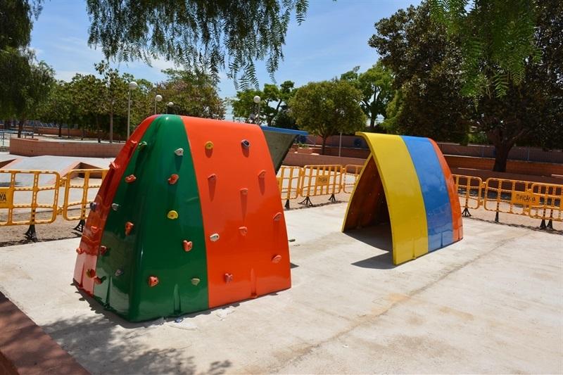 Renovaci joc infantil parc alb zies seguiment del for Renovacio oficina de treball