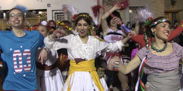 FALLES 2017 - Cavalcada Ninot - Falla Plaça País Valencià