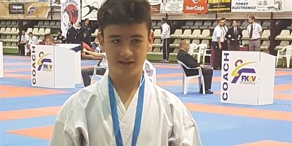 El karateca Álvaro Benita aconsegueix la medalla de bronze a una jornada de la Lliga Autonòmica