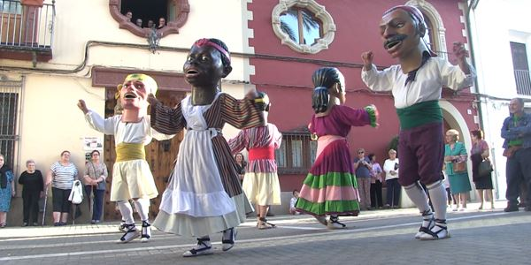 Dansetes del Corpus - Els Nanos - Grup de Danses Realenc