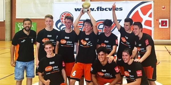 """Els juniors del Picanya Bàsquet completen la """"temporada perfecta"""""""