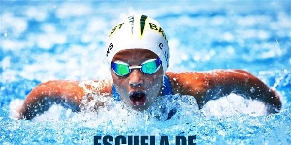 Perfeccionament de la natació per a joves a la piscina coberta