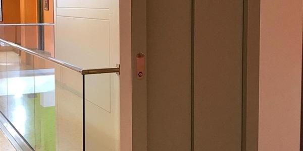 Instal·lat l'ascensor a l'escola Ausiàs March