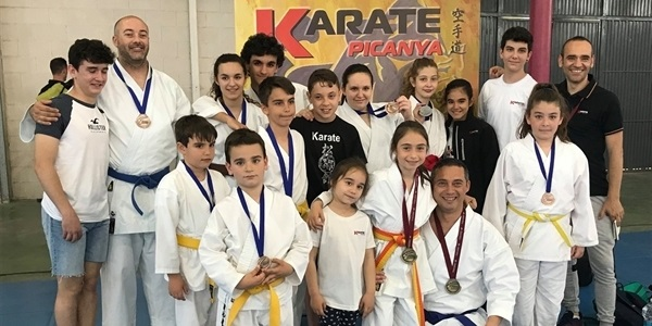 Més medalles per al karate picanyer