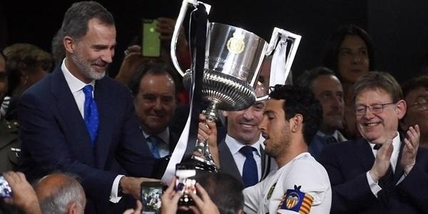 La Copa del Rei, guanyada pel València CF l'any passat, visita Picanya