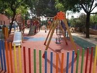 Instal·lació de paviment de seguretat sota els Jocs Infantils dels parcs municipals 5