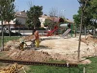 Instal·lació de paviment de seguretat sota els Jocs Infantils dels parcs municipals 10