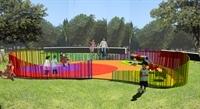 Mobiliari urbà i jocs en parcs infantils