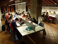 Biblioteca i Centre d'Estudis. Nits. P5230070