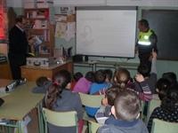 Curs a les escoles sobre ús responsable del material pirtotènic _ 01